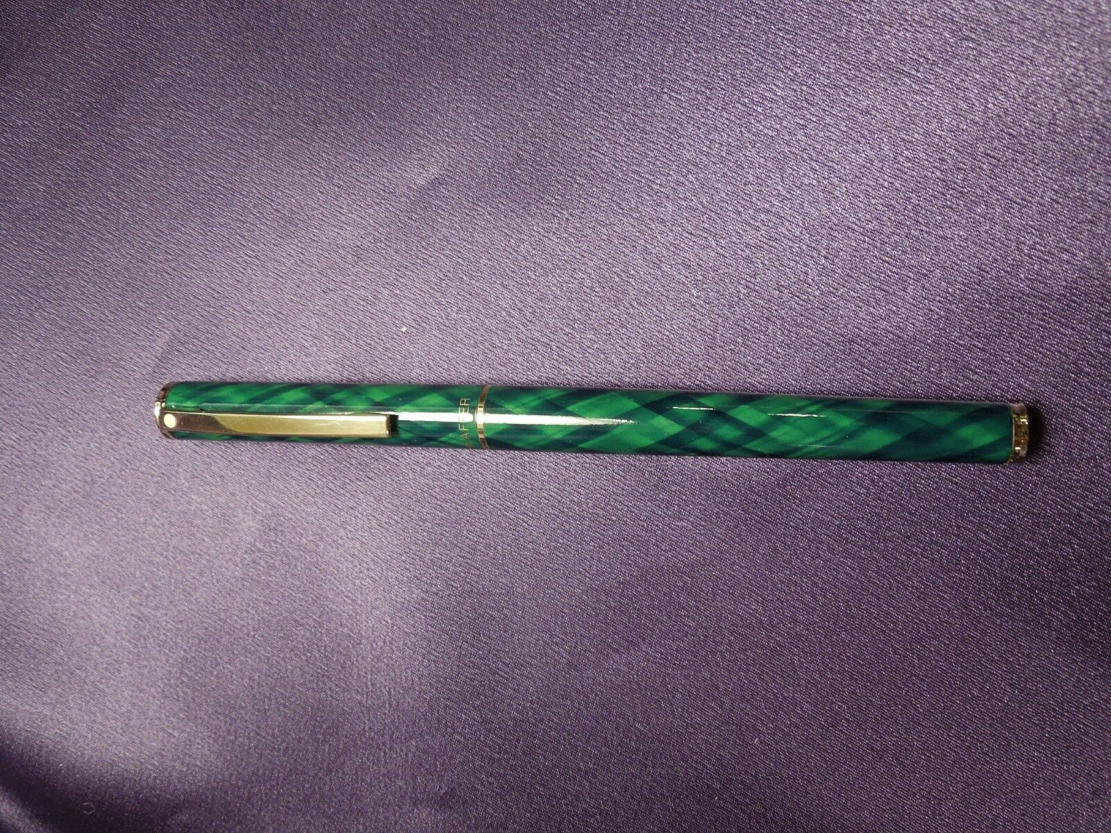 Green & Gold Sheaffer Ballpoint Pen in Original Red and Gold Box image 4