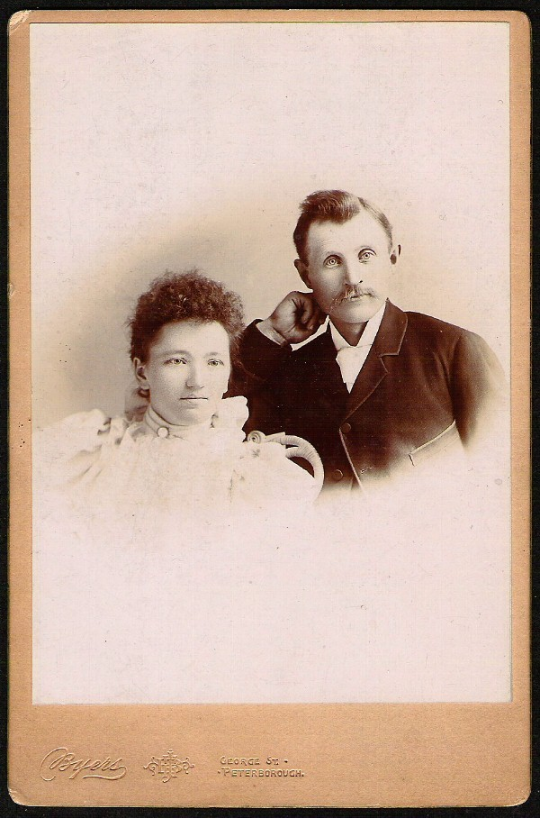 FORMALLY DRESSED YOUNG COUPLE ANTIQUE CABINET CARD PHOTO BY BYERS PETERBOROUGH