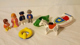 8 PIECE PLAYMOBIL ACCESSORIES REPLACEMENT BOAT PEOPLE HORSE FLOATS SWIMMING - $4.94