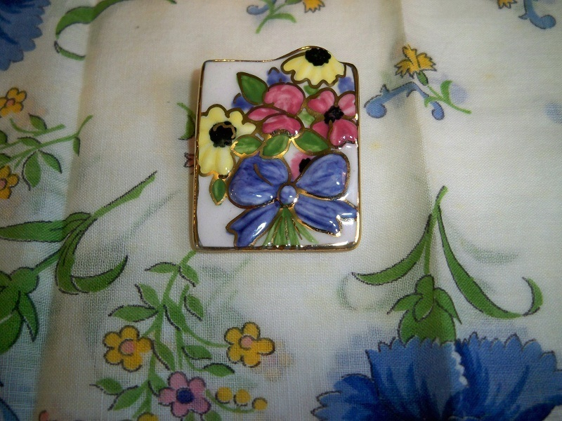 SALE! Vintage Ceramic Floral Bow Brooch