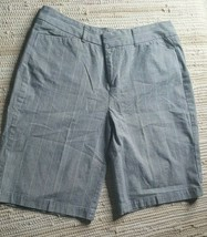Dockers Ideal Fit Women Size 8 Silver Striped Gray Shorts 28 Waist Mid-Rise - $10.13