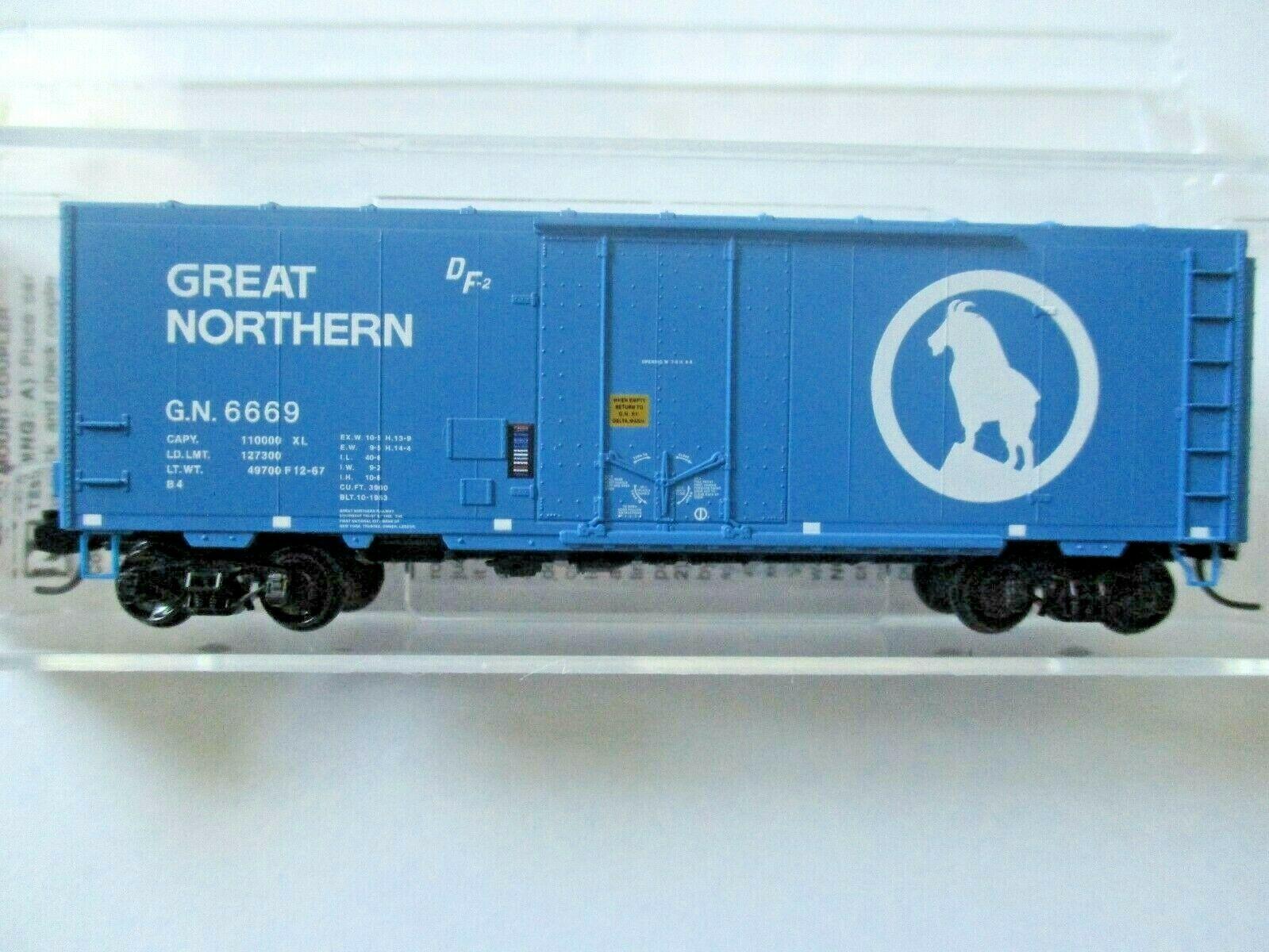 Micro-Trains # 07400037 Great Northern 40' Standard Box Car N-Scale