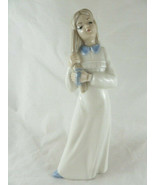 "Tengra Valencia Spain Porcelain Girl brushing her hair Figurine 8.5"" Exc... - $15.83"