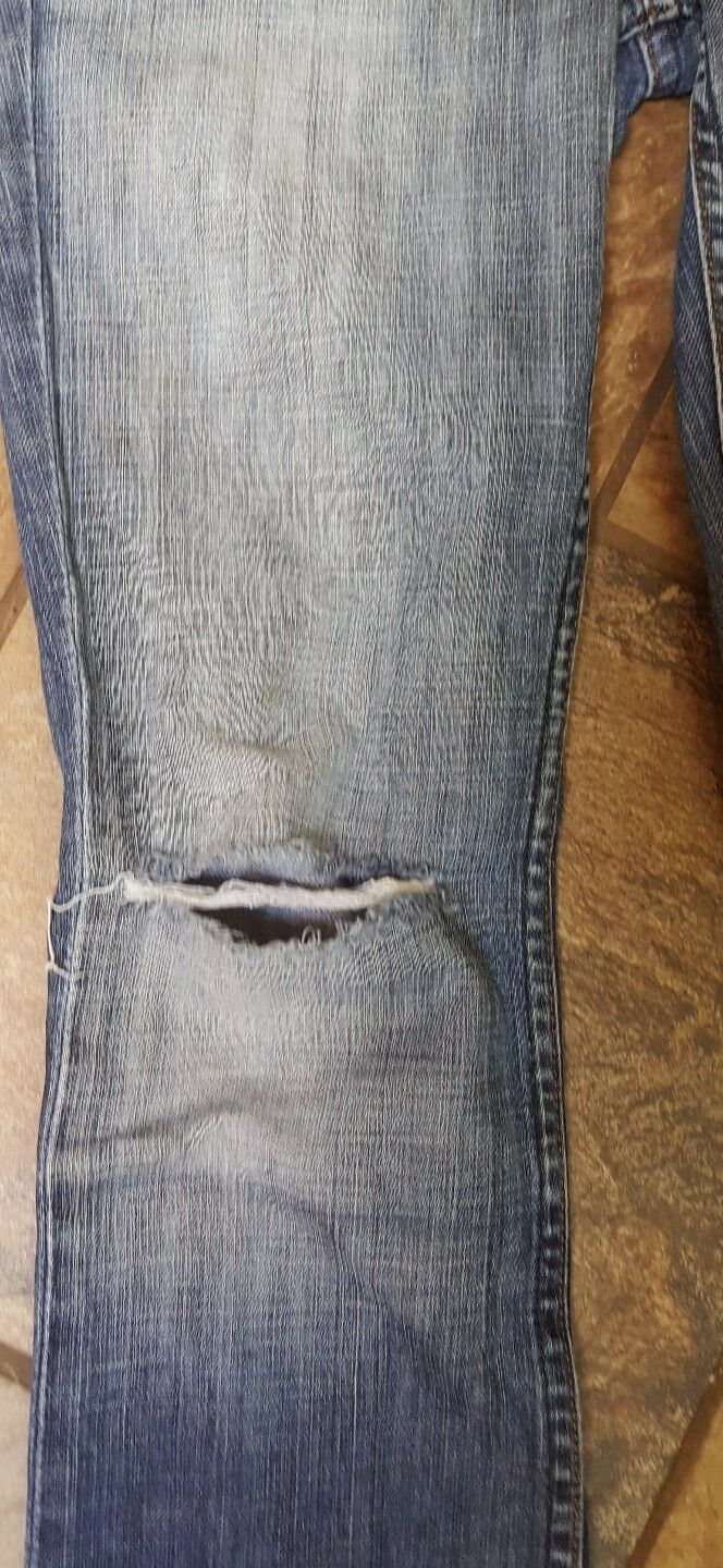 Woman's Juicy Couture Jeans Size 27 X 31 nice and distressed, (w3) image 2