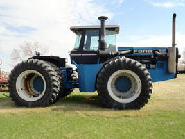 1990 Ford Versatile 946 For Sale in Northgate, North Dakota 58737 image 2