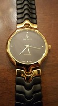VINTAGE THE ORYX QUARTZ GOLD & BLACK FLEX BAND WRIST WATCH JAPANESE MOVEMENT image 2
