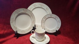 Noritake China 9722 Willowbrook 5 Piece Place Setting - $58.41
