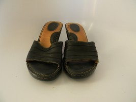 Womens Born Black Leather Upper Slip On Shoes Size 9M (40.5) W3515 - $24.99