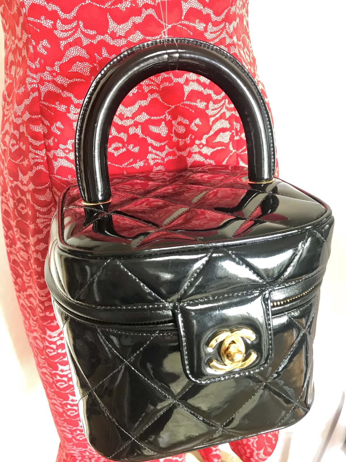 9dd9da70988a 1bfbba9a 6018 4d83 bf71 7aa7ce79f30f. 1bfbba9a 6018 4d83 bf71 7aa7ce79f30f.  Previous. Vintage CHANEL black patent enamel quilted leather vanity bag ...