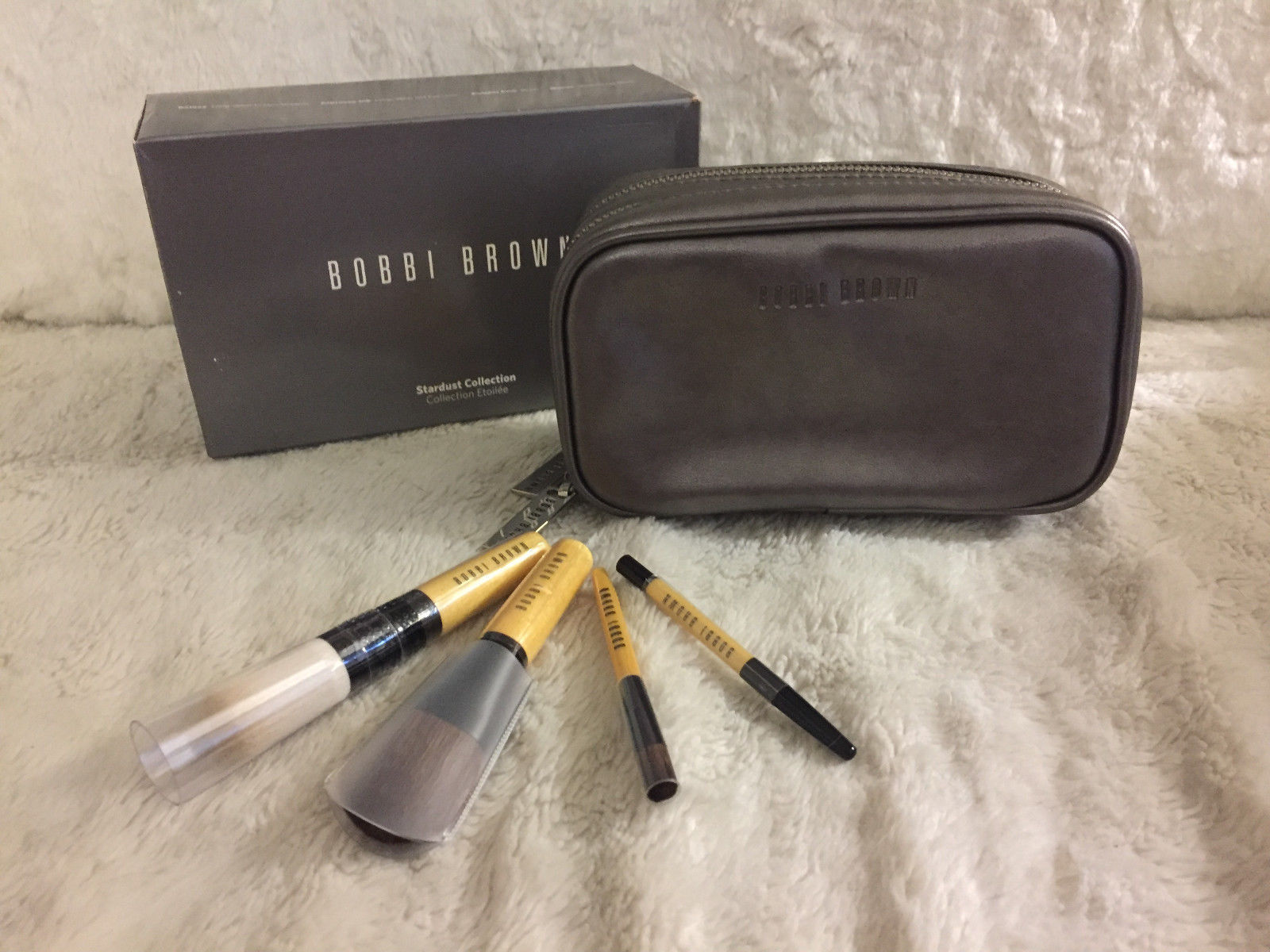 Primary image for NIB Bobbi Brown Stardust Collection 4pcs Mini Brush Set, Face Blender/Blush/Eye