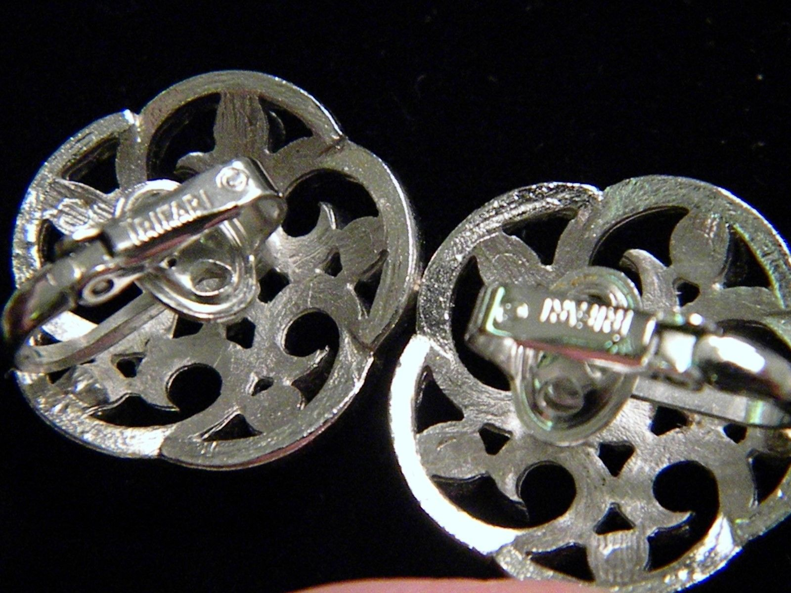 Crown Trifari Silver Tone Scroll Vintage Clip on Earrings Sharp