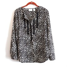 Chicos Sz. 0 (4/6) Cream Animal Print With Lace And Button Tab Detail NWT - $35.11