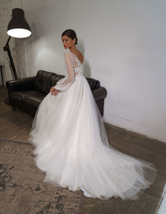 New Bohemian Style V-Neck Appliques Vintage Puff Sleeves Beach Wedding Gown image 3
