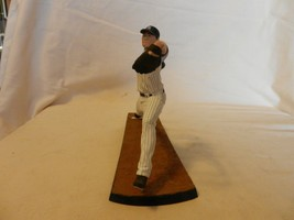 2014 Masahiro Tanaka McFarlane New York Yankees #19 Figurine, Pitching Pose - $22.27
