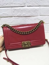 AUTHENTIC CHANEL RED SMOOTH CALFSKIN LEATHER MEDIUM BOY FLAP BAG ANTIQUE GHW image 2