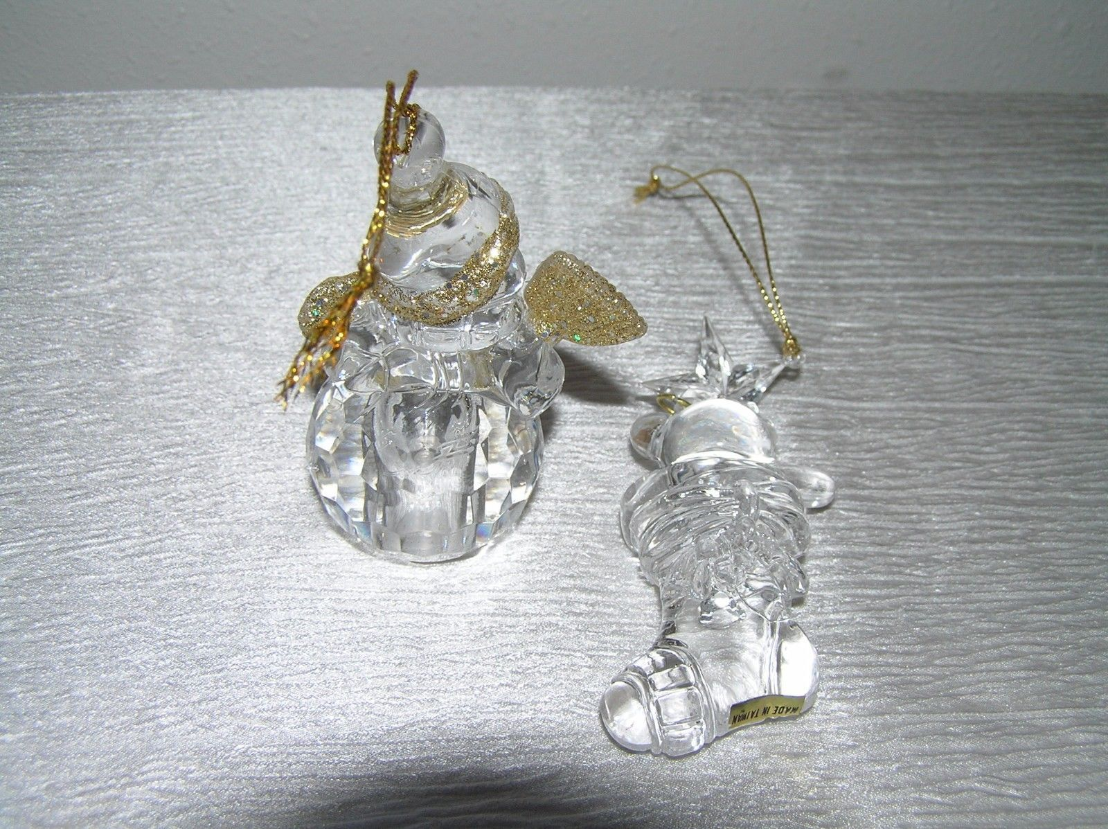 Estate Lot of 2 Thick Clear Lucite Plastic Dimensional SNOWMAN Teddy Bear in
