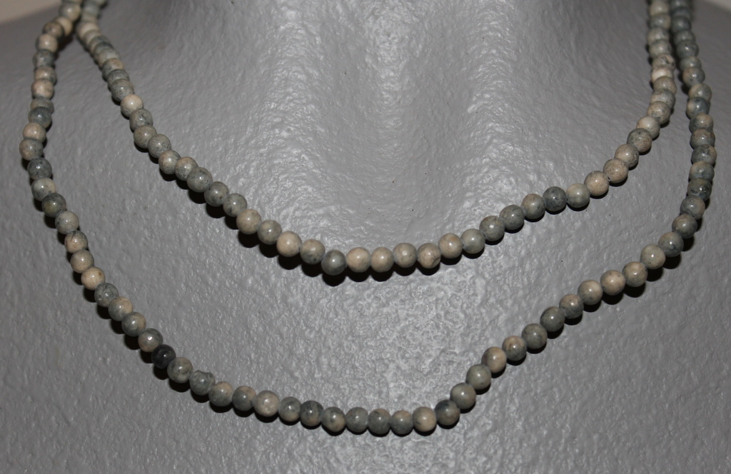 """THE TWIST BEADS ERA!  36"""" NECKLACE OF 4 MM ROUND BEADS BLUE GREY BLENDS"""