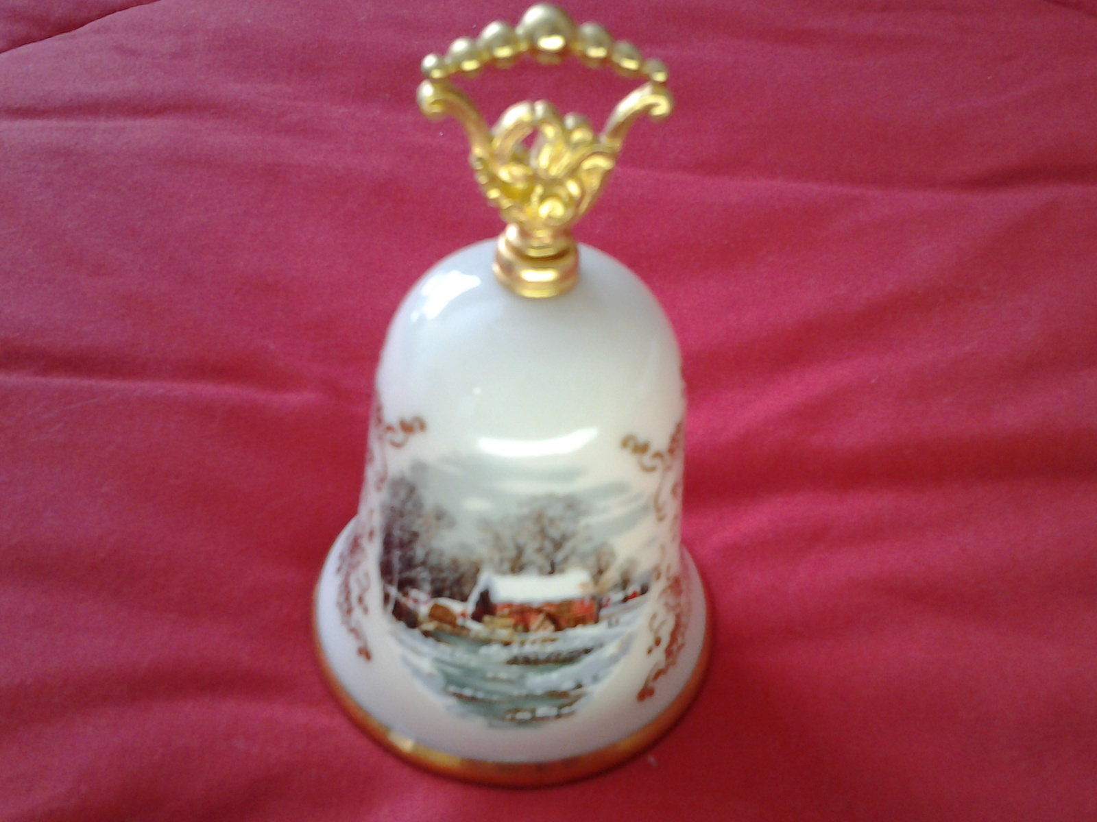 Gorham Currier & Ives Christmas Bell Noel 1978 Gold Holly Victorian Scene