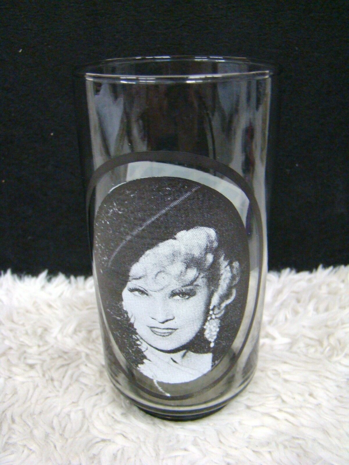 """Take 1 of 6 Mae West Arby's Collector Series 5.75"""" Drinking Glass/Tumbler"""