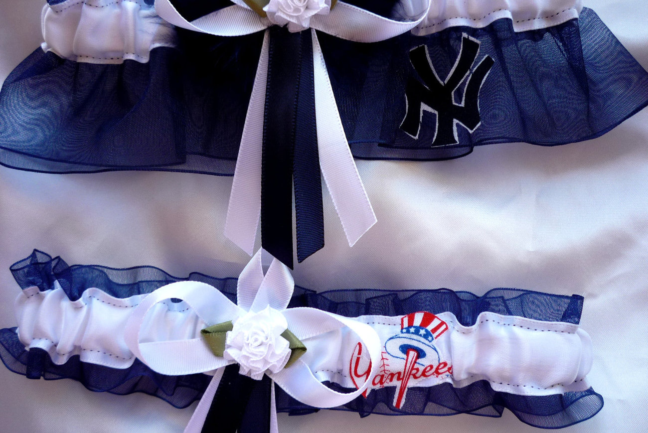 New York Yankees Navy Organza Flower Wedding Garter Set NB