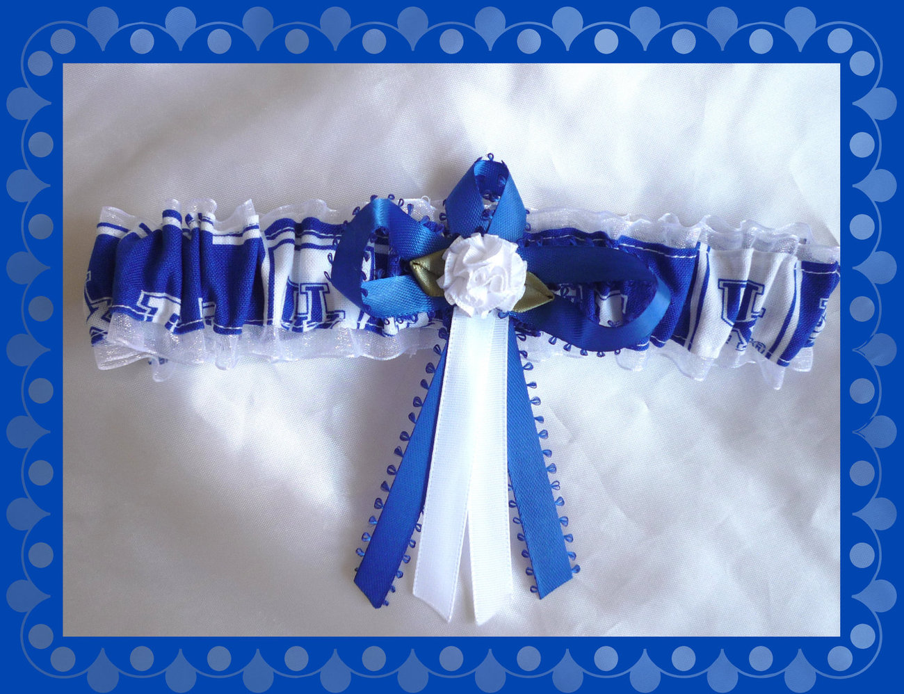 Primary image for University of Kentucky Wildcats White Organza Fabric Flower Wedding Garter Toss