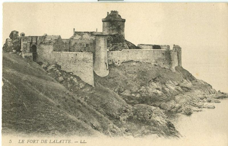 France, Le Fort de Lalatte CPA early 1900s unused Postcard