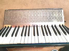 hohner accordion full size made in germany with no jewels missing image 3