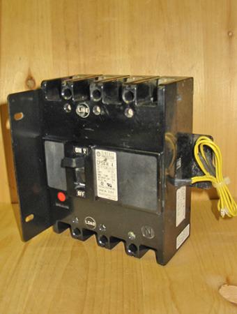 HITACHI CP54-H 15 AMP, 4 POLE, 480 VOLT CIRCUIT BREAKER PROTECTOR ~ RARE!