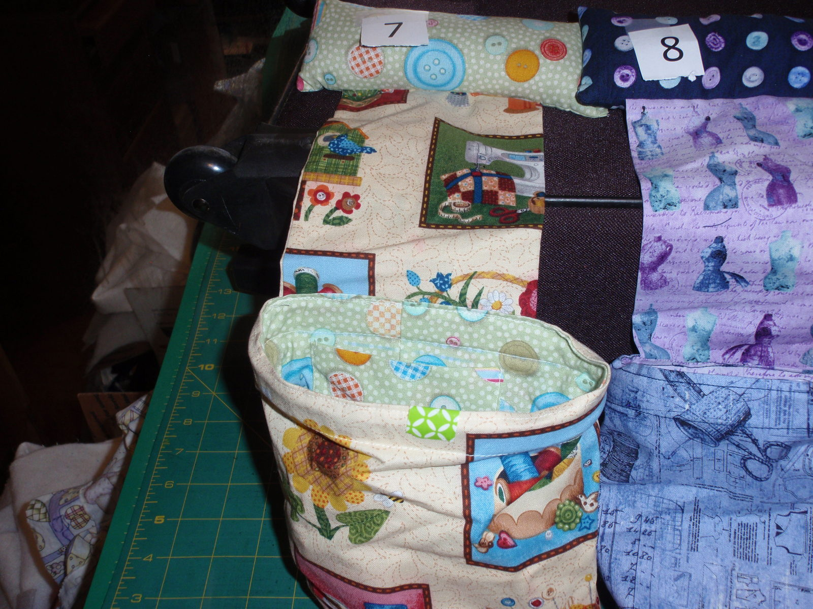 Handmade Pin Cushion,Thread Catcher, Remote Holder Bag Novelty Sewing Fabric   image 5