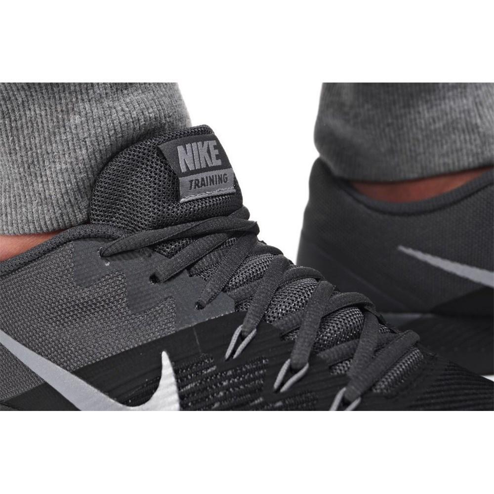 2a6314990b8c Nike Shoes Retaliation TR