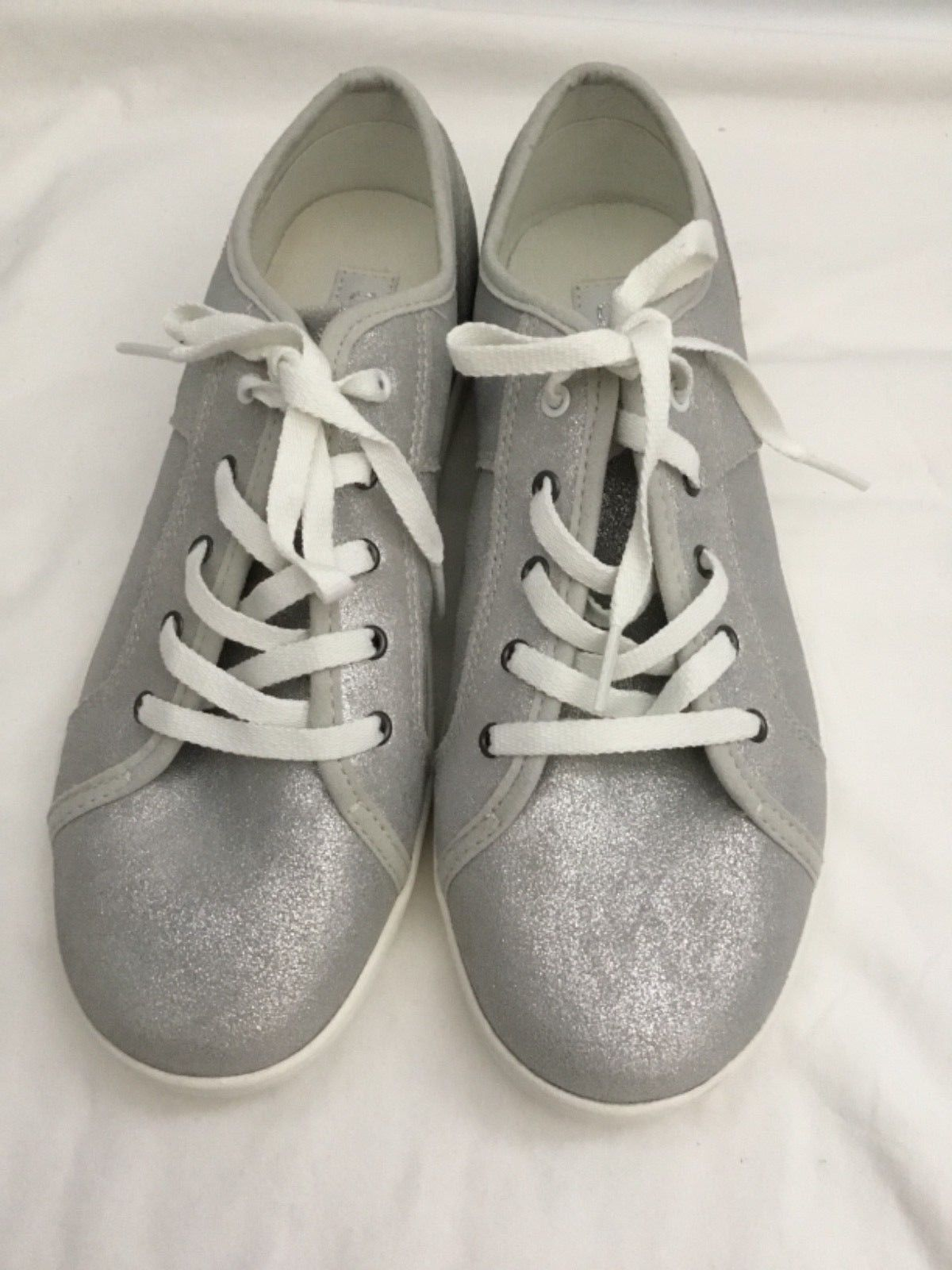 e9b0a61ee26 Ugg Women's Silver Metallic Sneaker Size 6 and 50 similar items