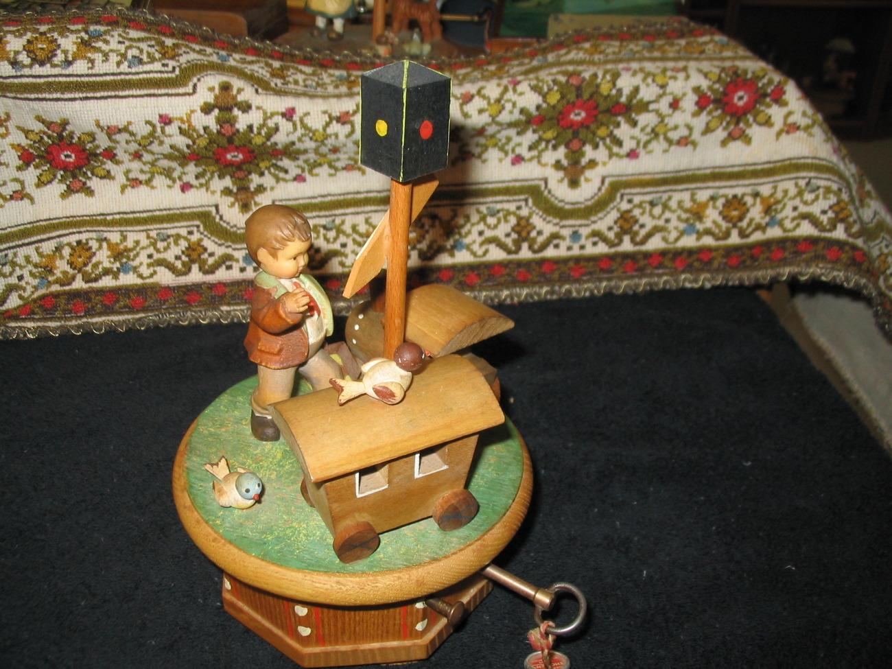 Boy with boxcar ariverderci roma 001