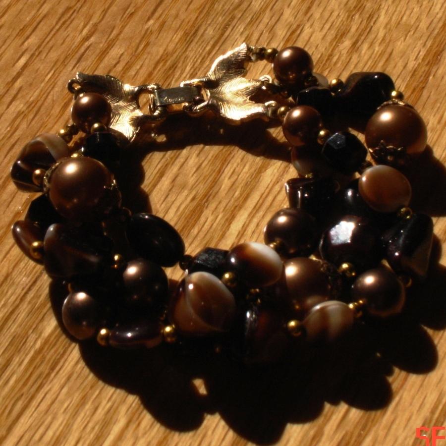 Gorgeous Vintage Crown Trifari Amber Art Glass Bracelet