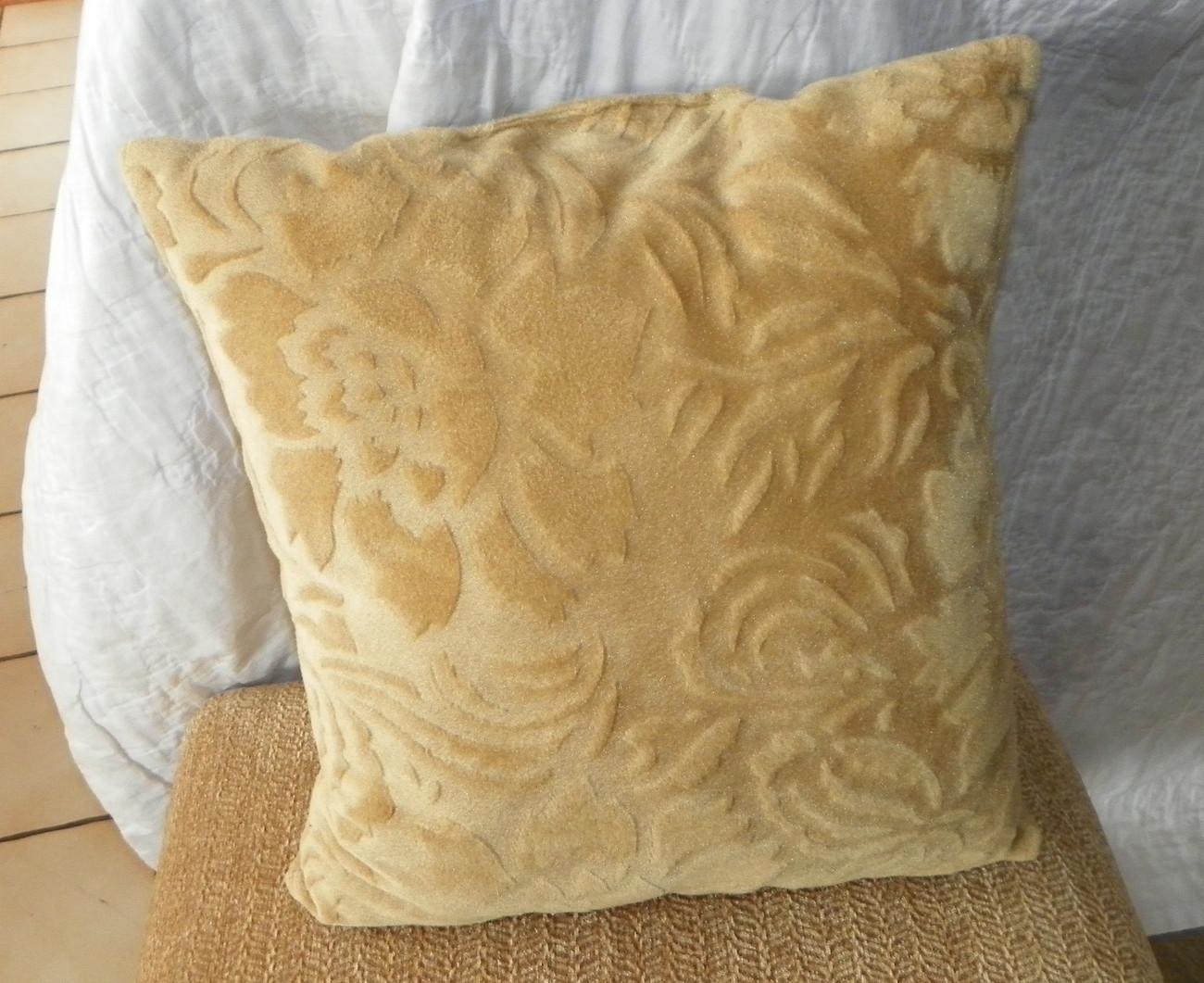 Gold Flower Print Velvet Throw Pillow