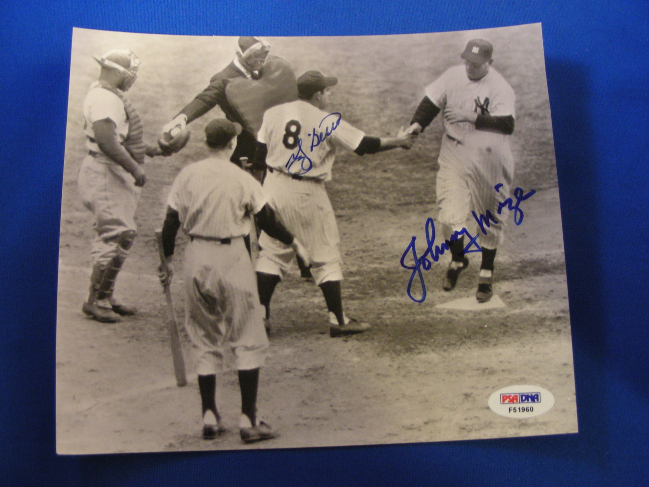 1952 WS GAME 4 YOGI BERRA JOHNNY MIZE YANKEES DODGERS SIGNED PRESS PHOTO PSA/DNA