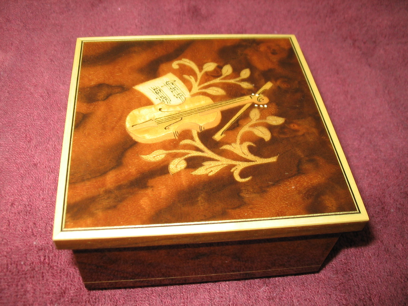 Primary image for Music Box Swiss Movement Made In Italy Italian Marquetry Vintage