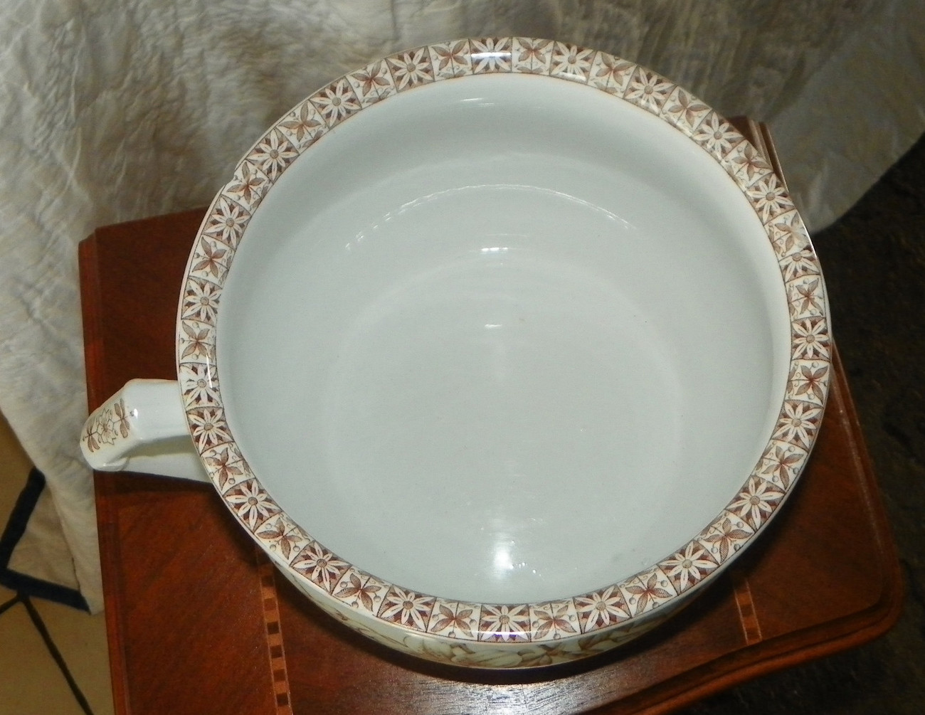 Johnson Brothers England Floral Pot Bowl with Handle