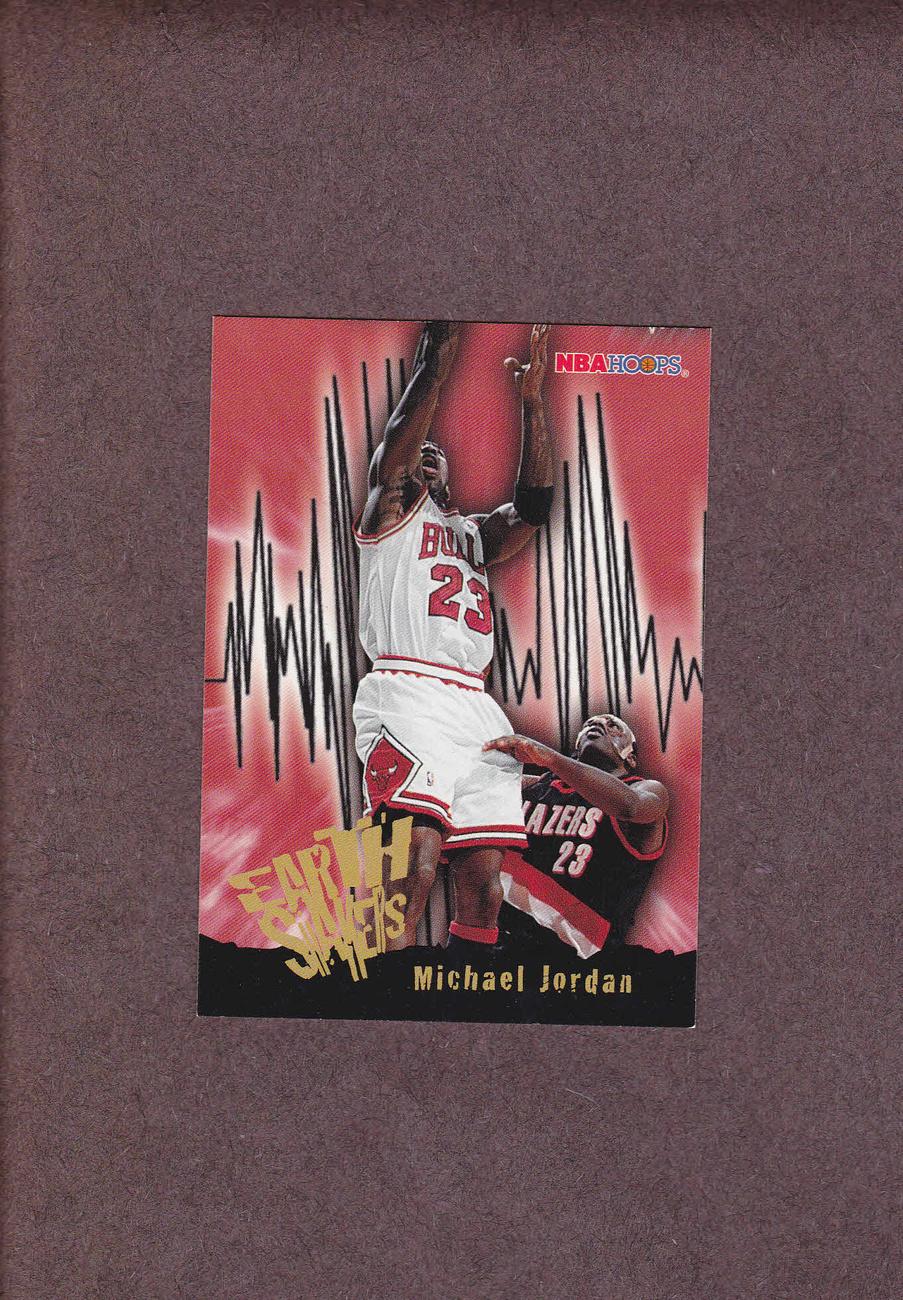 1995-96 Hoops # 358 Michael Jordan Chicago Bulls NM