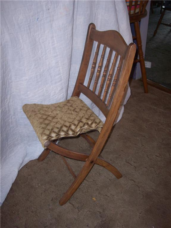 Maple Folding Chair/Sidechair
