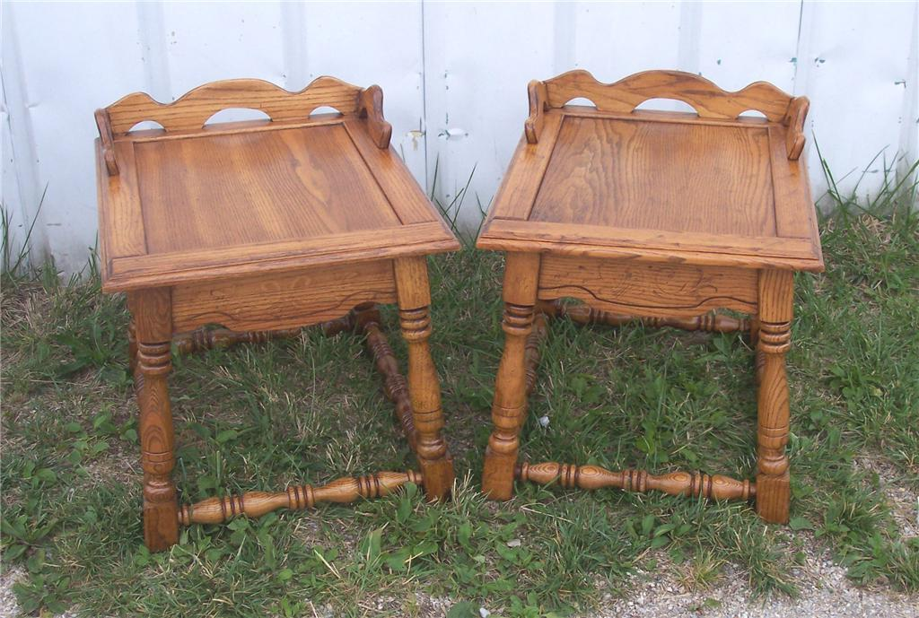Pair of Oak Side Tables/End Tables