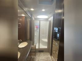 2018 FLEETWOOD DISCOVERY LXE 39F FOR SALE  image 13