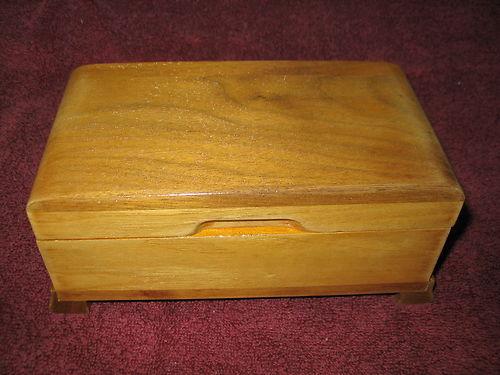 Thorens wooden music box 23 notes