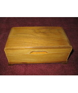 Thorens wooden music box 23 notes - $75.00