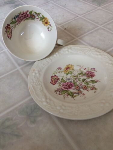 Eggshell Theme Homer Laughlin 5 3/4 Saucer and Tea Cup Floral L4BN5 made USA
