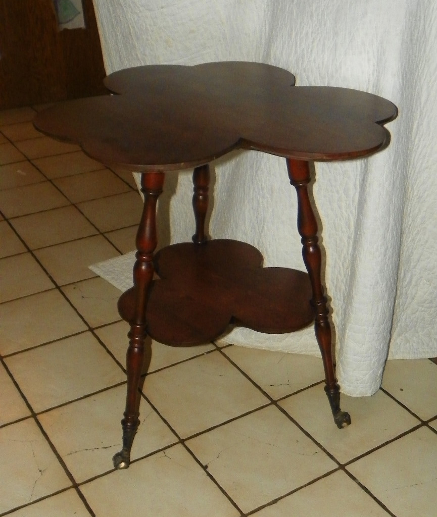 Solid Cherry Clover Lamp Table Parlor Table