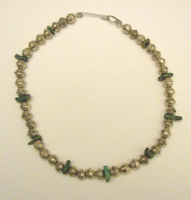 VINTAGE NAVAHO NECKLACE