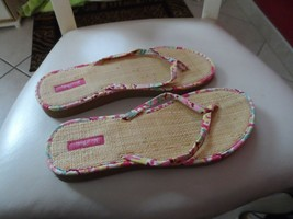 Vera Bradley flip flops size Large in Capri Melon - $13.50