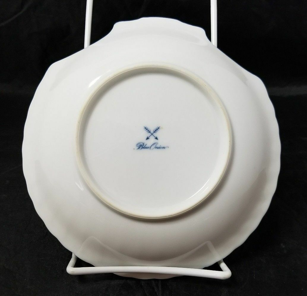 """Blue Onion Scallop Shell Bowls Set of 4 Clam Shell Plates 7""""×7"""" White, Swords image 2"""