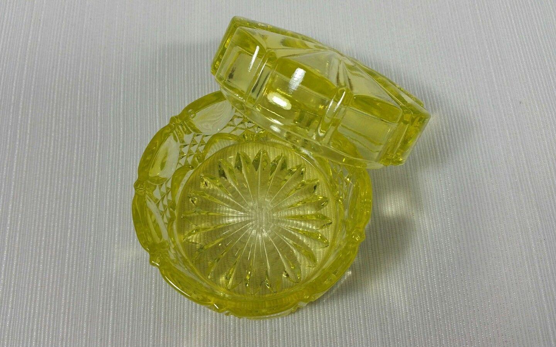 Vintage Yellow Uranium Vaseline Glass Covered Vanity Box Signed Belique