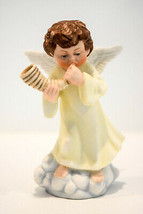 Angel Blowing Horn  Angel With Wings on Cloud  Enesco  1988  Classic Figure - $16.82
